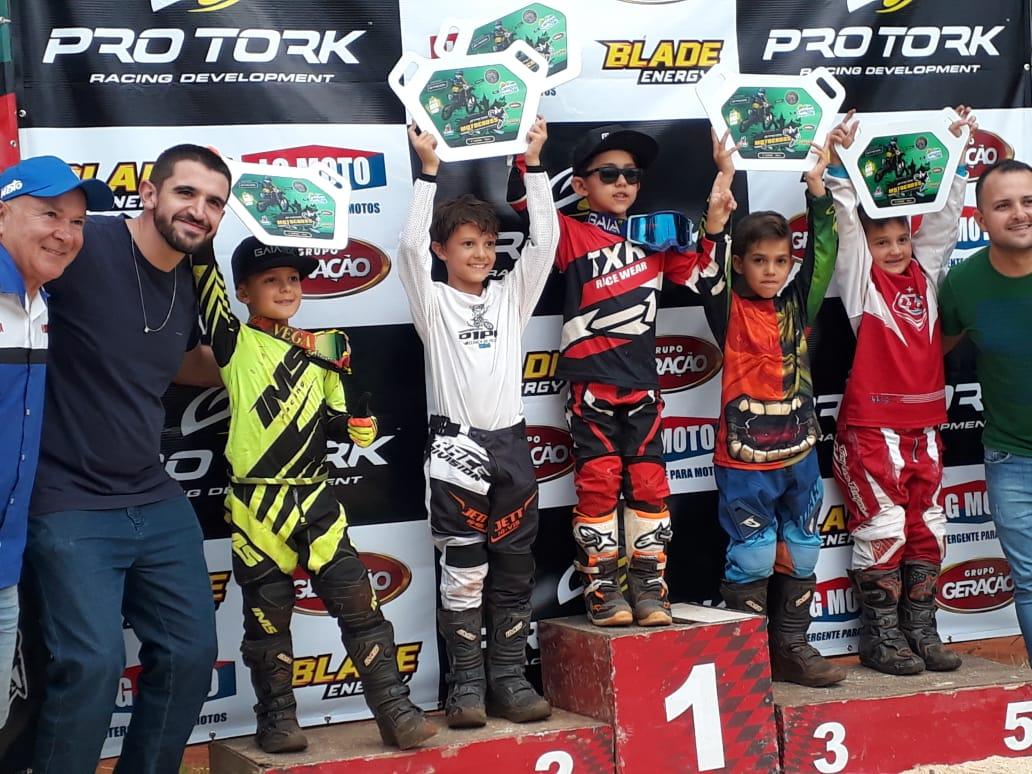 Los hermanos Rodríguez Priebe tuvieron un buen debut en el Motocross Catarinense